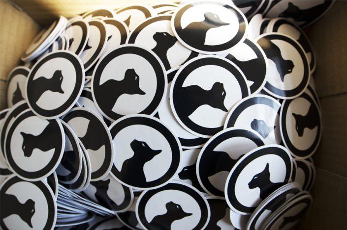 Stickers association velours communication