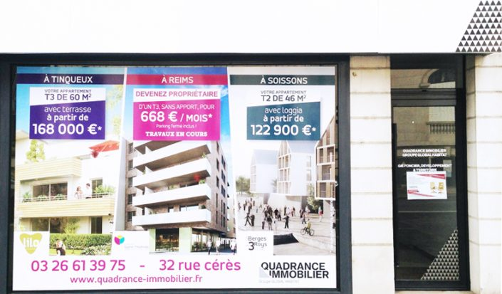 marquage vitrine adhésif quadrance immobilier communication signalétique