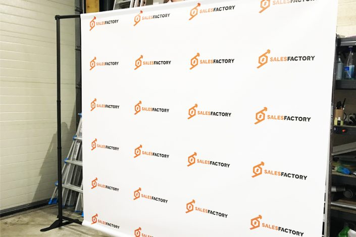 Photocall photowall displays signalétique sales factory bâche grand format communication
