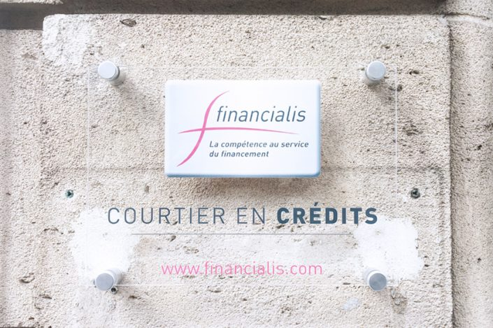 plaque signalétique financialis communication