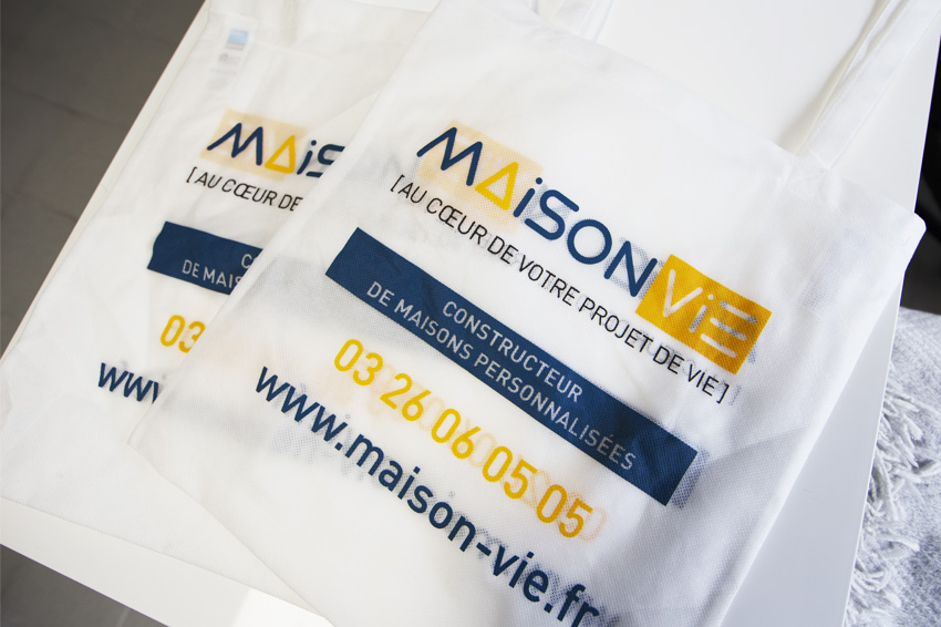 impression objets publicitaires goodies sac tote bag maison vie communication