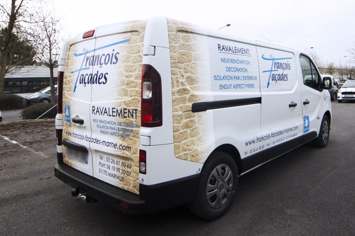 marquage véhicule utilitaire covering partiel françois façades adhésifs communication publicité