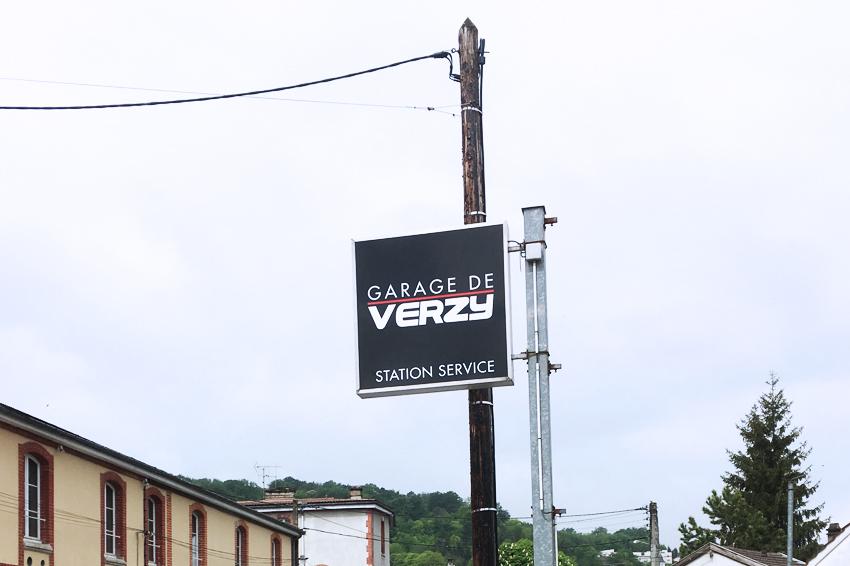 enseigne drapeau enseigne perpendiculaire garage de verzy signalétique communication publicité