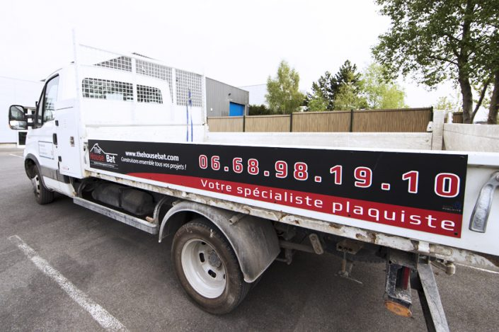 marquage véhicule utilitaire camion benne adhésif communication publicité