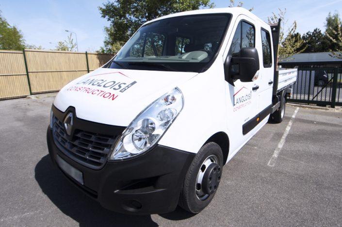marquage véhicule utilitaire langlois construction adhésifs dibond communication reims publicité