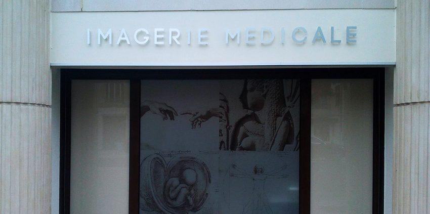 enseigne lettrage relief dr touche cabinet medical signalétique communication publicité