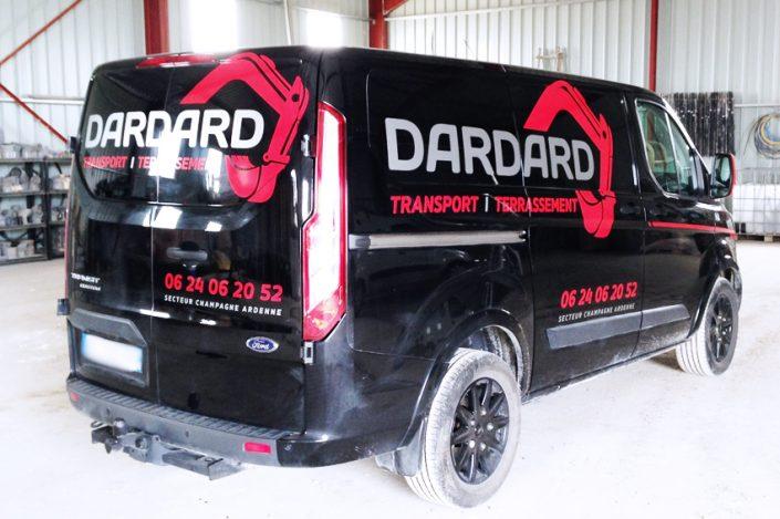 marquage véhicule utilitaire fourgon dardard transport terrassement adhésifs communication publicité