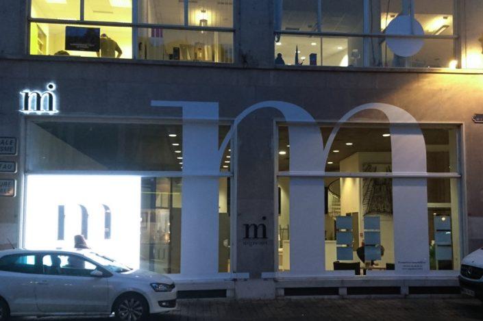 marquage vitrine et façade adhésifs panneau luineux enseigne lumineuse rétroéclairage LED migneaux immobilier signalétique communication reims