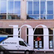 marquage vitrine migneaux hirondelles adhésifs communication publicité