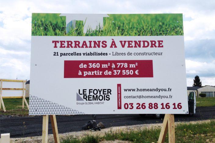panneaux akylux grand format 2x3m foyer rémois signalétique communication publicité