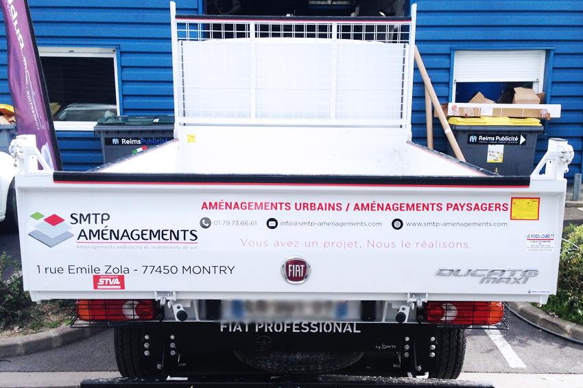 marquage véhicule utilitaire smtp aménagment adhésifs communication publicité