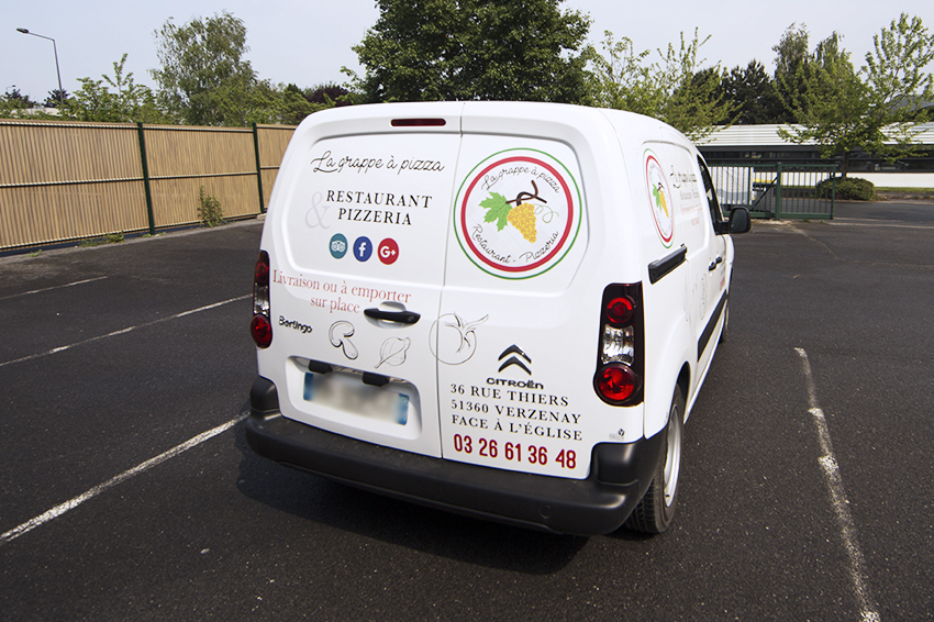 marquage véhicule utilitaire la grappe à pizza adhésifs communication reims publicité