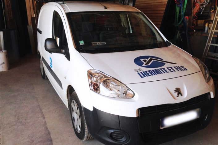 marquage fourgon utilitaire llhermite et fils marquage véhicule adhésifs communication publicité