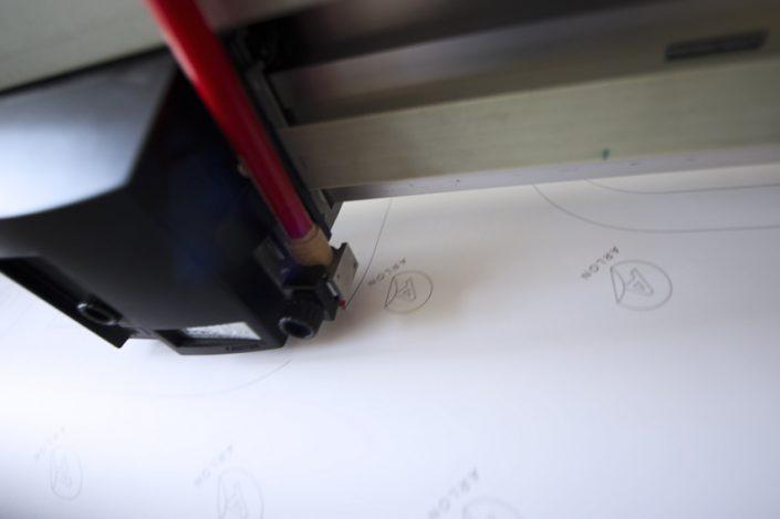 plotter de découpe tracé plan pose enseigne signalétique atelier communication reims publicité
