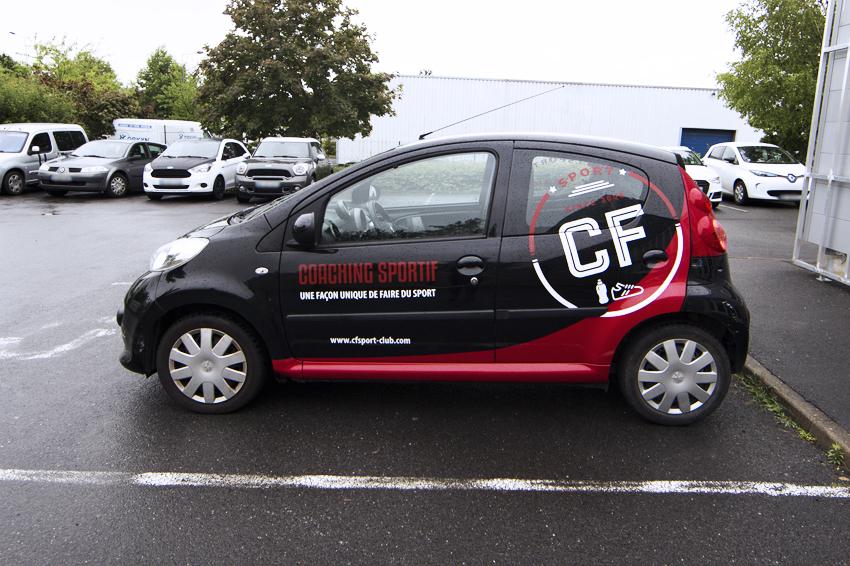 marquage véhicule covering partiel semi covering CF sport coach sport adhésif communication publicité
