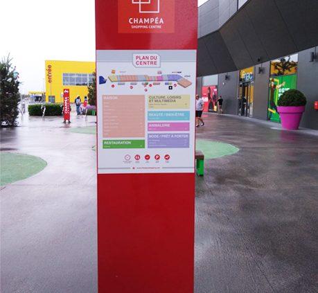 totem signalétique adhésif film adhésif centre commercial champéa communication publicité