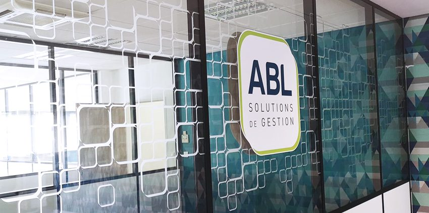 décoration conception réalisation pose adhésifs dépolis logos abl informatique bureaux intérieur design communication publicité