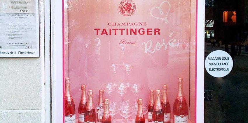 réalisation et pose décoration vitrine champagne taittinger cave des sacres signalétique communication publicité