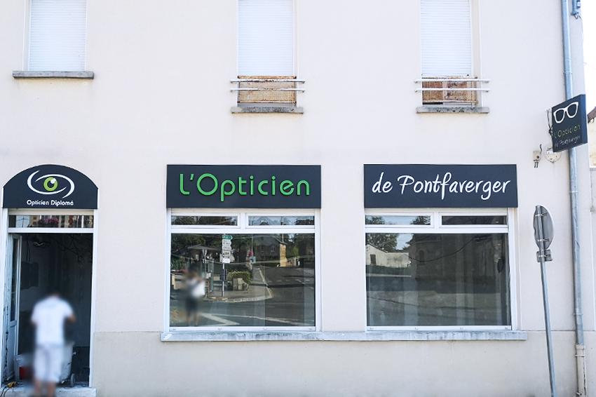réalisation et pose d'enseignes lumineuses pour l'Opticien de Pontfaverger