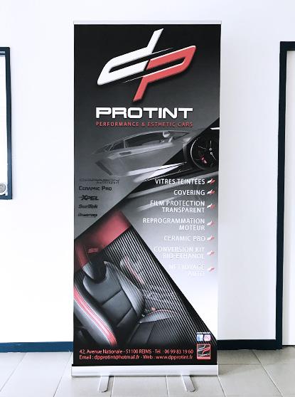réalisation roll-up dp protint signalétique stand salon foire communication publicité