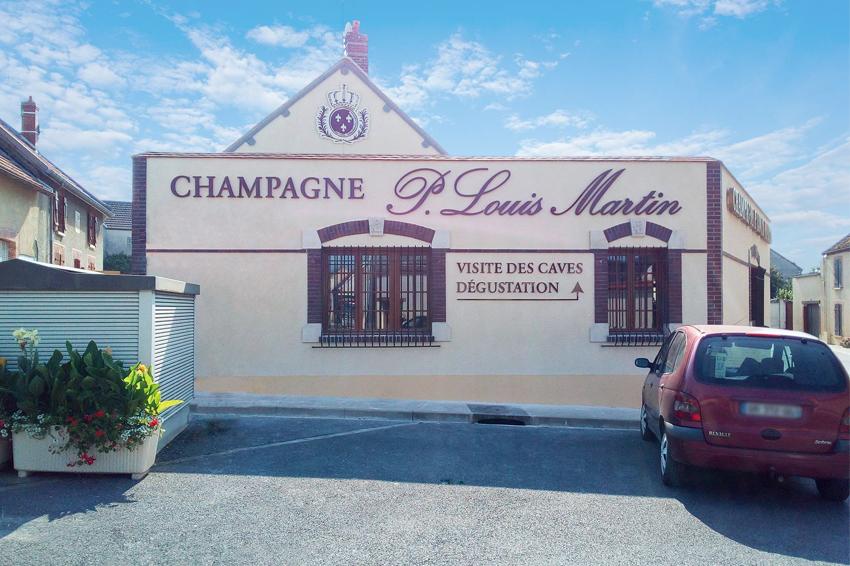 réalisation et pose enseigne lettrage relief champagne P. Louis Martin