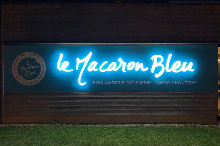 enseigne lumineuse lettre led macaron bleu nuit bezannes reims
