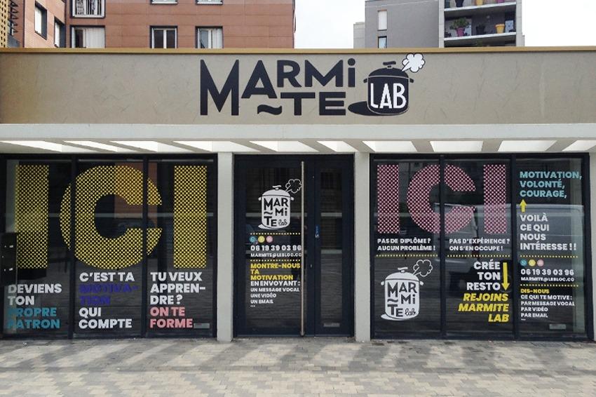 enseigne signalétique marquage adhésif vitre microperforé marmite lab quartier libre reims