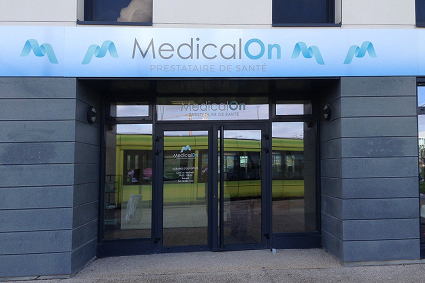enseigne dibond bandeau enseigne perpendiculaire medical on reims bezannes